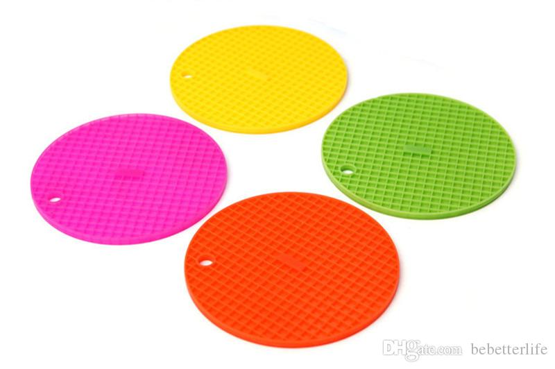 Wholesale Creative candy color waterproof coaster multi-functional insulation pad silicone placemats can be hung bowl pad