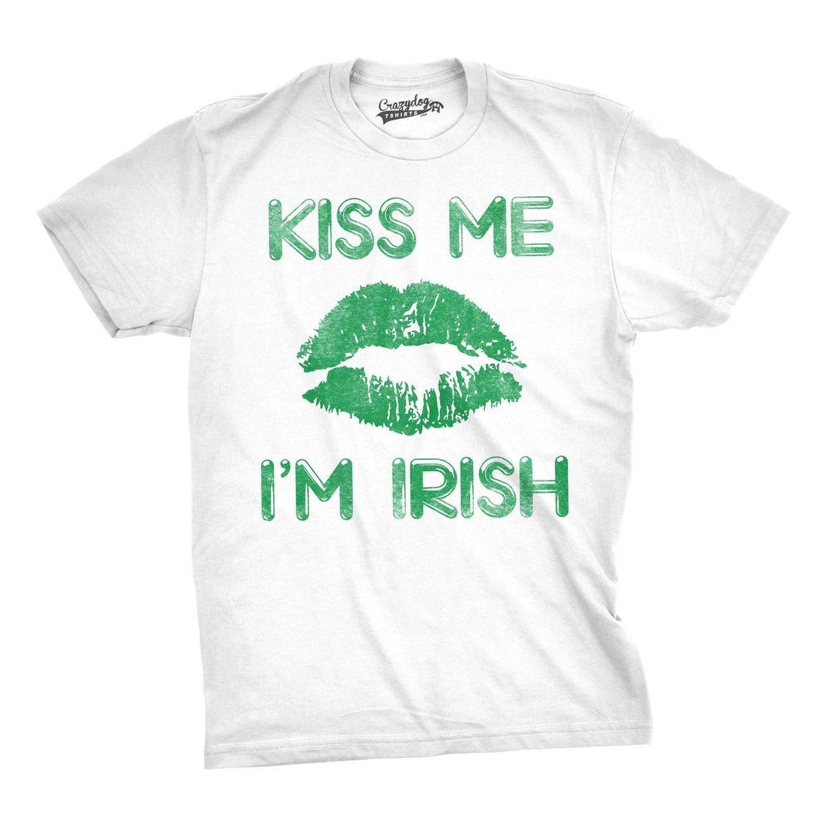 a466b5b0 Mens Green Lips Cute Kiss Me I'm Irish Funny St. Patrick's Day T shirt