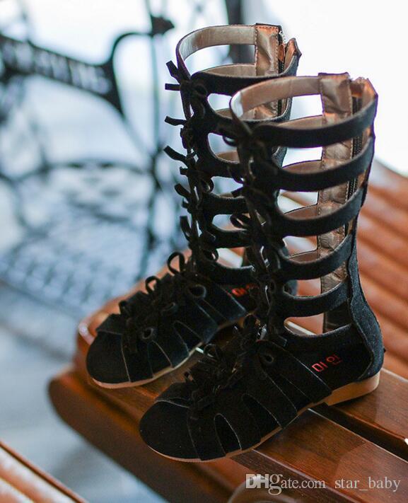 الفتيات أزياء أطفال الركبة عالية شقة الرومانية القوس الأحذية الانحناء lether المصارع الصنادل سحاب في الظهر جودة عالية 2 ألوان