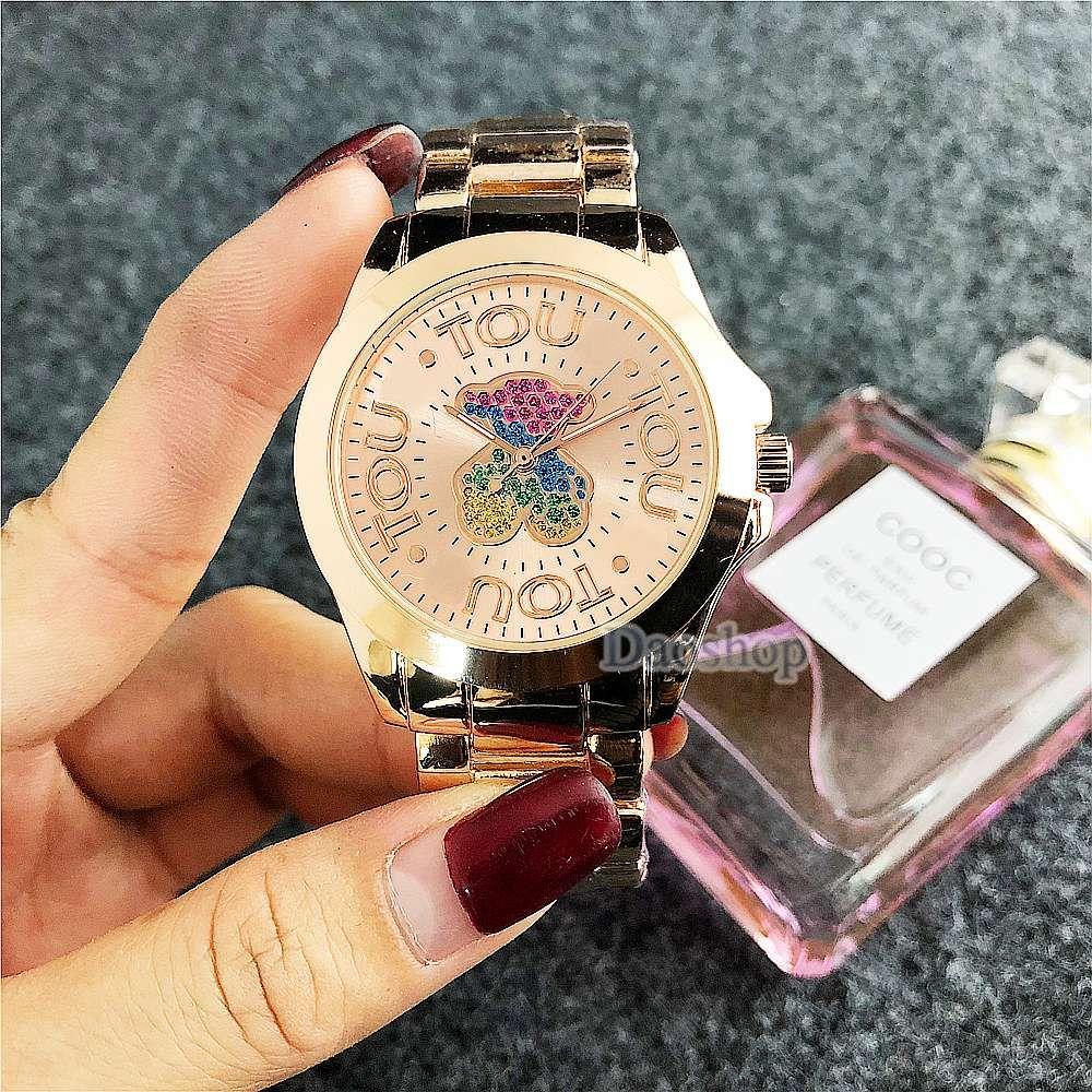 1081c3ea9ce0 Compre 2018 Relojes De Lujo De Las Mujeres Se Visten De Colores Oso  Rhinestone Reloj De Cuarzo Señoras De La Moda De Oro Rosa De Acero  Inoxidable Relojes De ...