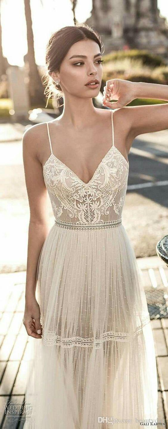 2019 Beach Wedding Dresses For Bride A-line Wedding Dress Maternity Pregnant Bridal Gowns Beads Tulle Lace Backless Spaghetti Straps Boho