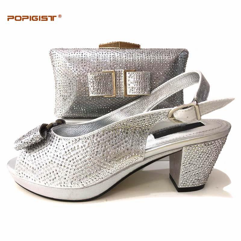 huge selection of 912ed 75d4c Italienische silberne Schuhe mit passender Tasche, verziert mit  nigerianischen Strassschuhen und passender Tasche, Party Schuhe, Sommer  Frauen Pumps