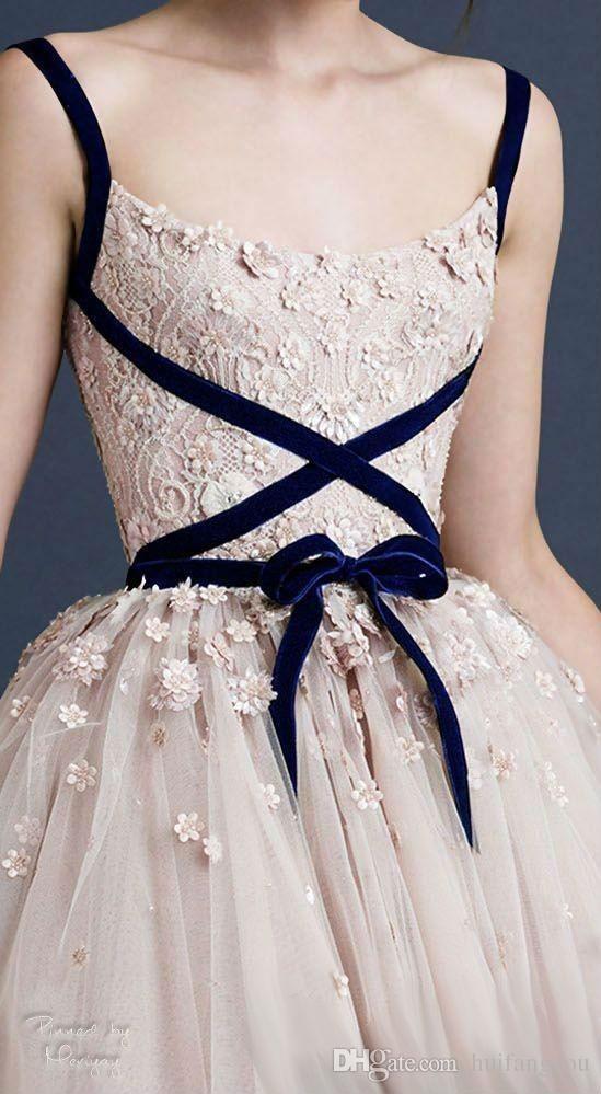Robes de bal 3D Dentelle Applique Du thé Longueur Dresson Haute Mode Tulle Robe de Mariée