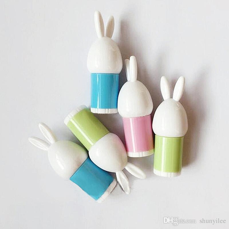 MINI Cute Rabbit Cartoon Lippenstift Tube Makeup Tool hausgemachte leere Lippenbalsam Tube Mehrwegflaschen schnelles Verschiffen F171