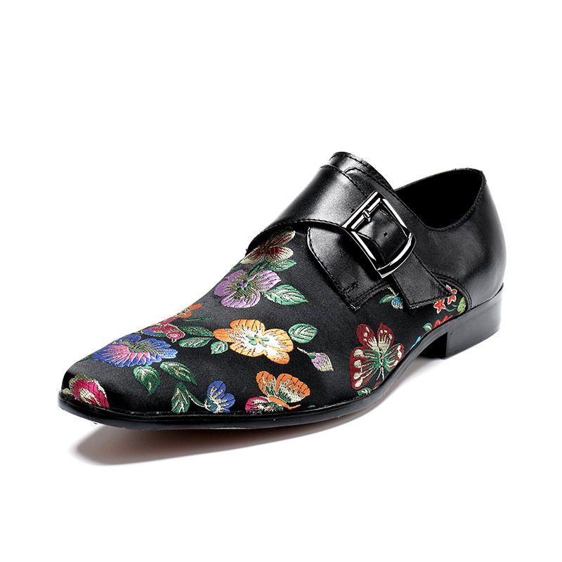 Zapatos de vestir rojos de los hombres de lujo bordados a mano zapatos de punta barco floral hebilla correa negro ocio zapatos personalizados