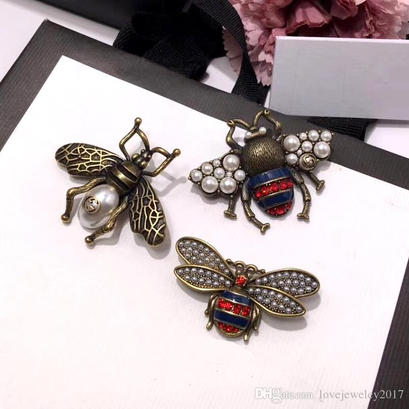 fashion style women pins bee brooches luxury style pearl and fancy coloured diamonds material megold retro technology glamour