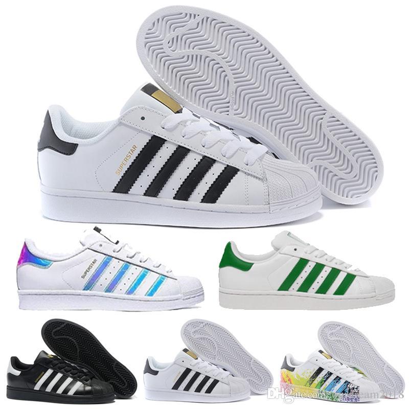 5c5e3e2c7e Großhandel Designer Shoes Adidas Men Women Mode Graffiti Superstar Weiß  Hologramm Schillernden Junior Superstars 80er Jahre Pride Turnschuhe Super  Star ...