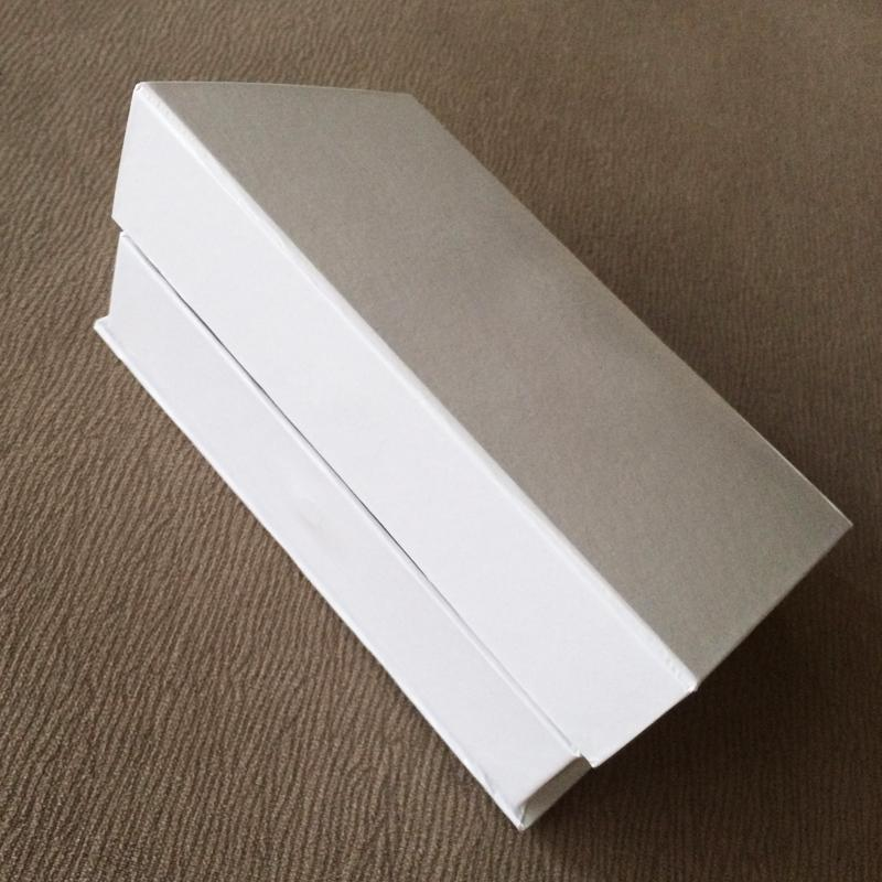 0013 pi/èces - Blanc//argent/é//dor/é des Noeuds-Cadeaux Ensemble demballage de Cadeaux Comprenant des Rubans de Marque Papier demballage com-four/® Ensemble de Papier demballage de 13 pi/èces