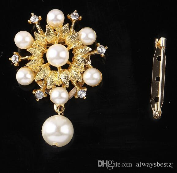 Fashion Crystal Pearl Flower Brooches Scarf Buckle Gold Silver Plated Rhinestone Flowers Brooch Pin For Women Costume Accessory 4.2*5.5cm