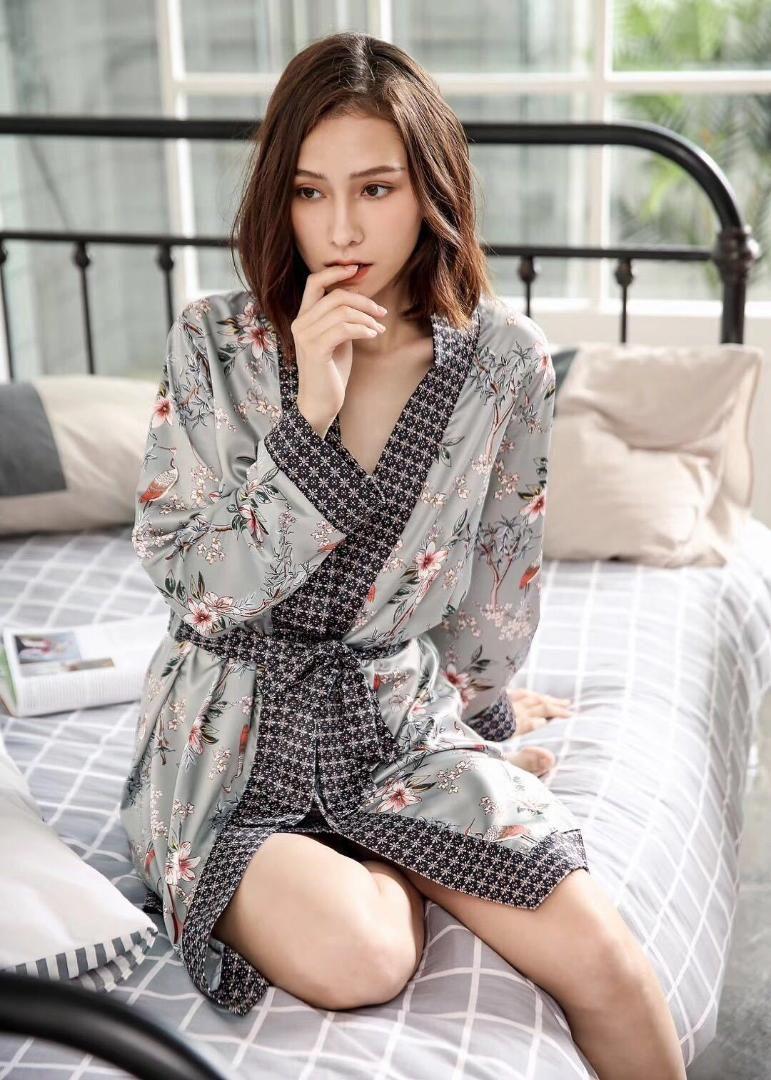 Nachthemd & Bademantel-sets Frauen Robe Set Silk Pyjamas Damen Herbst Hause Service Frühling Sommer Sommer Silk Longs ärmel Bademäntel