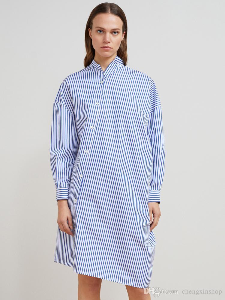 d73980c7d7c0 Acquista 2018 Svezia Oversize Bianco E Blu A Righe Asimmetrico Abito Stampa  A Righe Maniche Lunghe Risvolto Colletto Cotone Lady Shirt Abiti Oh908 A   55.73 ...