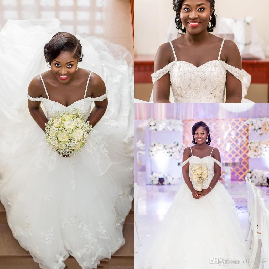 Major Beading Plus Size Vestidos De Noiva África Do Sul Contas Lantejoulas  Fora Do Ombro Vestidos De Casamento Com Alças De Espaguete Praia Vestido De  Noiva 9ed2143d526a