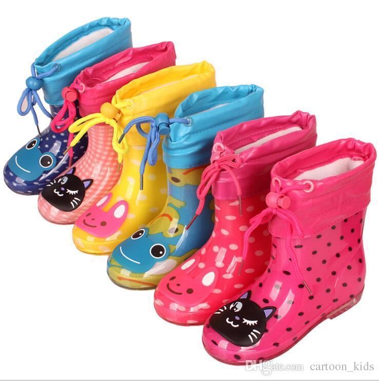 buy online 22ad5 09fd0 Cartoon Kinder Regen Schuhe Jungen und Mädchen Stiefel Anti-Rutsch Kinder  wasserdichte Student Wasser Stiefel Größe 15-19 cm