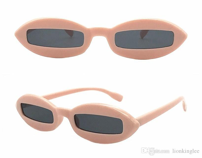 d06a7197c0004 Compre Pequeno Rodada Óculos De Sol Mulheres Designer De Marca Do Vintage  Retro Quadrado Óculos De Armação Quadro Círculo Senhora Óculos De Sol  Shades ...