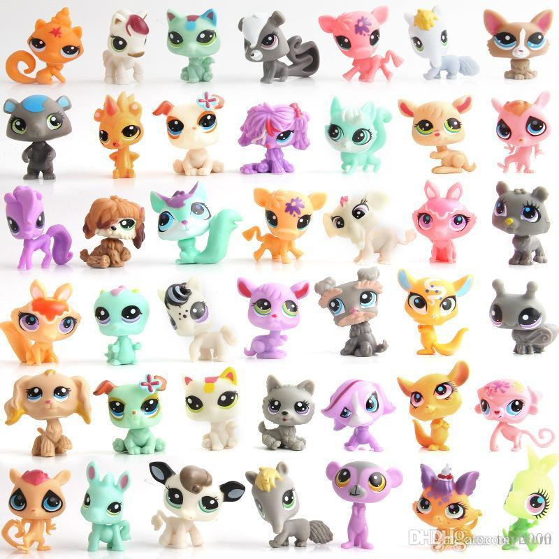 Pond plastic doll popular cartoon kawaii surprise doll cute little bear rabbit doll's cute little bell key ring couple funko pop squishy toy