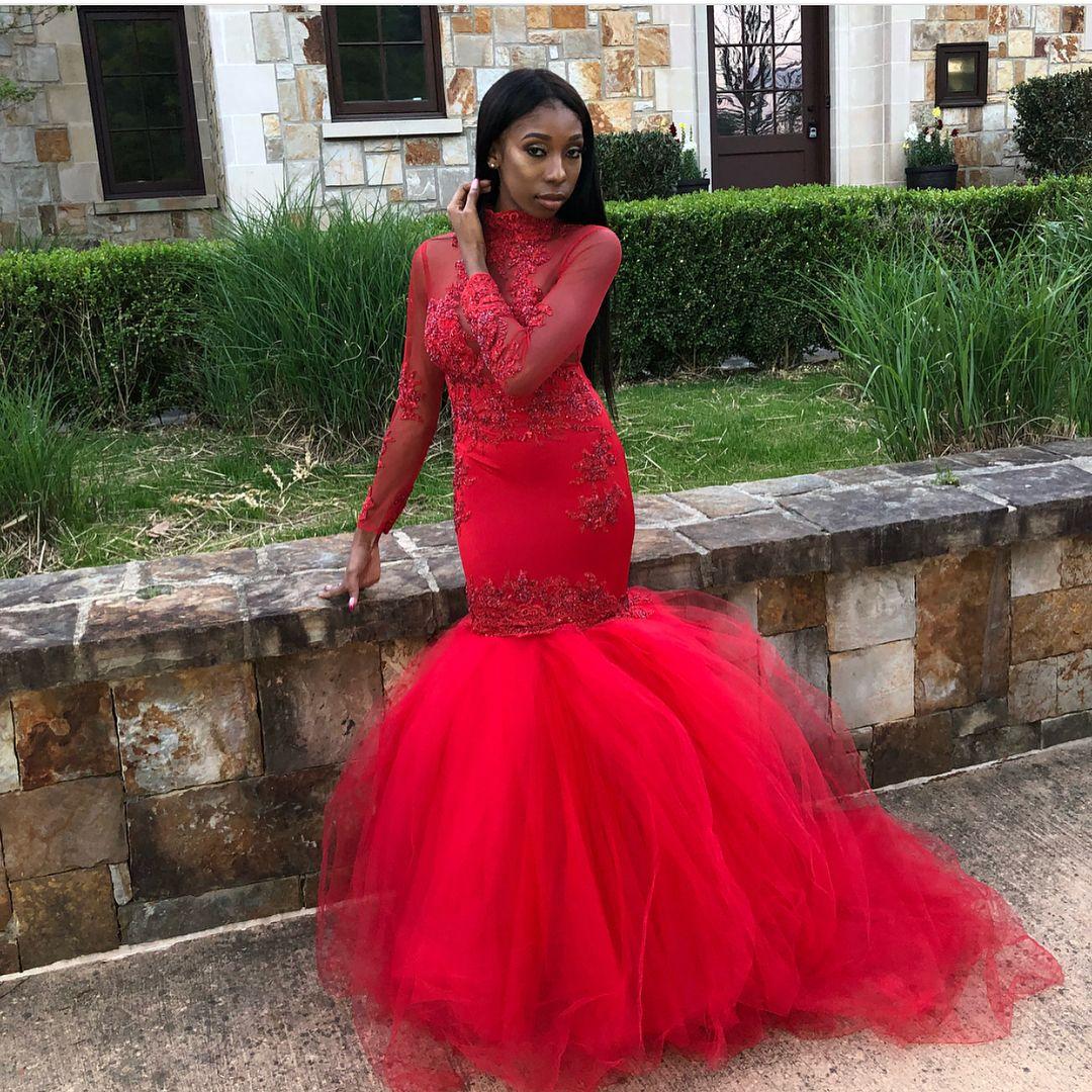 2018 Black Girls African Long Red Mermaid Dress Prom Dresses Maniche lunghe Perline Applique Elevato Gioiello Collo Tiered Floor Lunghezza Abiti Abiti da sera
