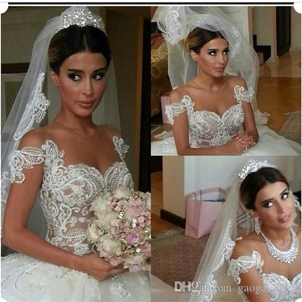 Vintage Luxury Lace Ball Gown Wedding Dresses with Sweetheart Short Sleeve Lace Applique White Tulle Chapel Train Bridal Formal Gowns Pearls