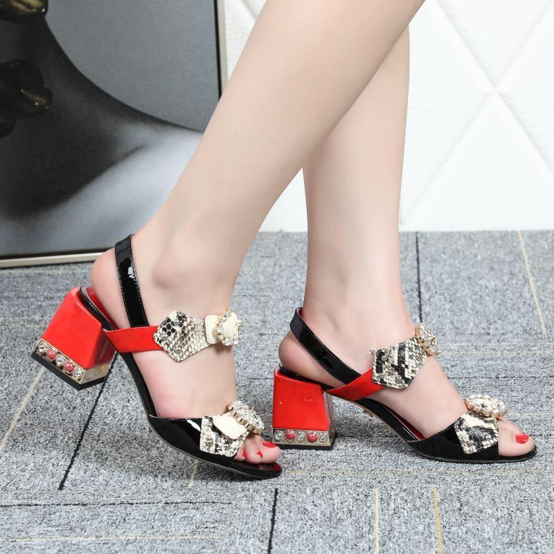 2e285a5631f Compre Desenhador Desliza Mulheres Sapatos De Salto Alto Designer Sandálias  Das Mulheres Saltos Sapatos De Moda De Luxo Designer De Mulheres Sapatos  Das ...