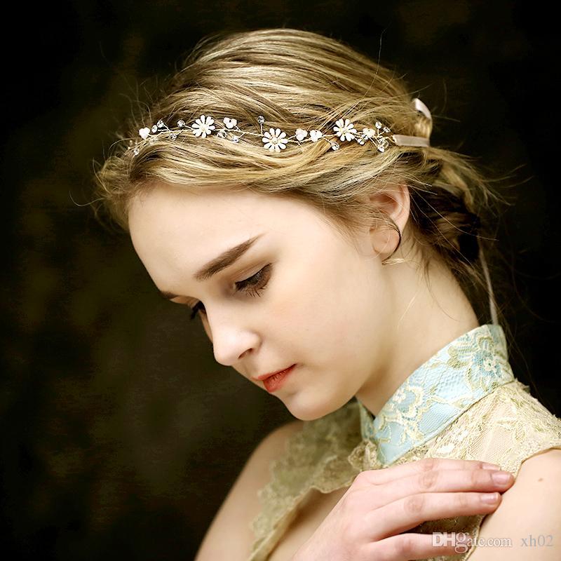 Acheter 2018 A La Main De Mariee En Cristal Fleur Cheveux Bijoux