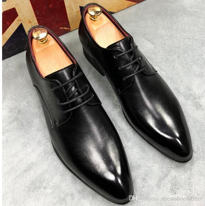 Mens Oxfords Solid Black Brown Oxfords in pelle Lace Up Business Dress Oxfords Suole in gomma Scarpe primavera Plus 45