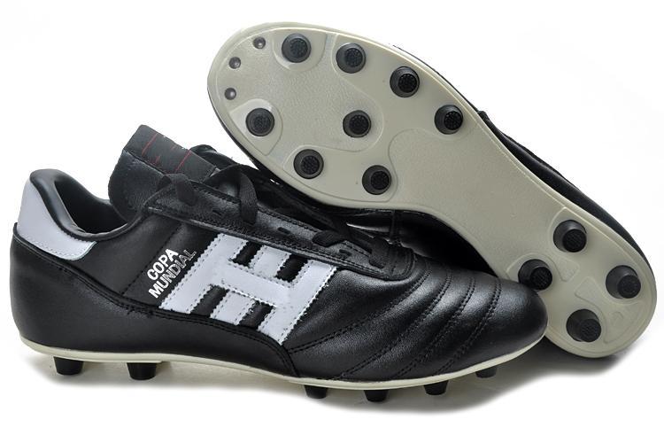 competitive price f8bcc 42670 Acquista Mens Copa Mundial Black White Tacchetti FG Soccer Shoes For  Classics Made In Germany Leather 2015 World Cup Scarpe Da Calcio Botines  Futbol A ...