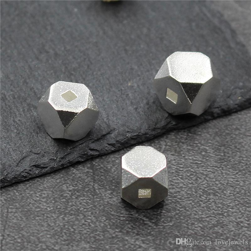 8562a06d0e10 Compre Diseñador De Joyas Sueltas 925 Cuentas De Perlas De Plata Hechos A  Mano DIY Pulsera De Cuentas Geométricas En Forma De Diamante Cuadrado Al  Por Mayor ...