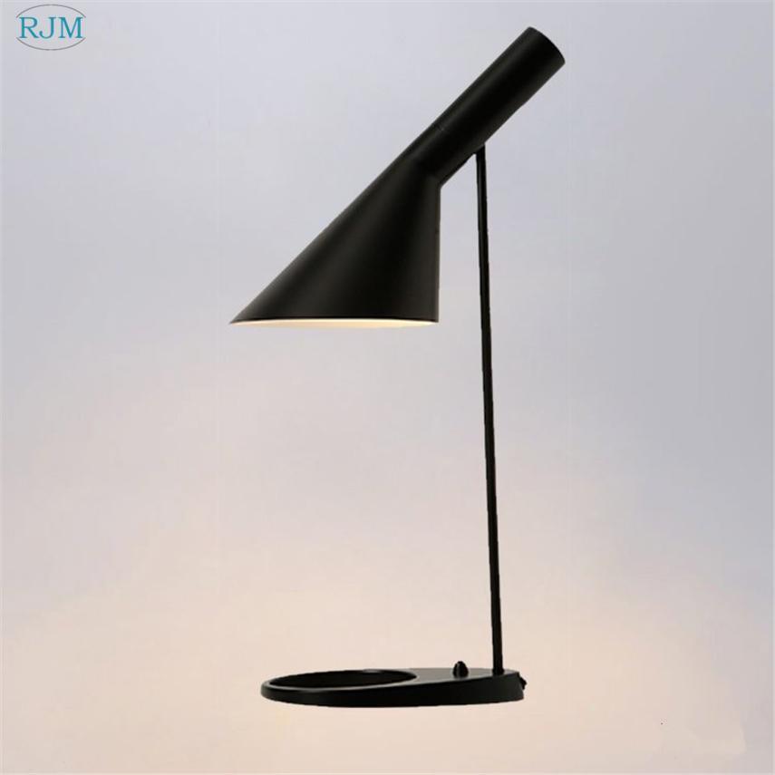 Nordic Kreative Eisen Nachttischlampen Moderne Einfache Personlichkeit Designer Schreibtischlampen Fur Wohnzimmer Schlafzimmer Studie Beleuchtung