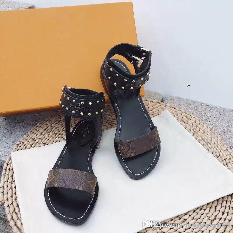 d4f485128d6afc Acheter 2018 Femme Sandales Femmes Chaussures Strass Chaînes Thong Gladiateur  Sandales Plates Crystal Flats Nouvelle Mode Casual Chaussures Pour Femme  Luxe ...