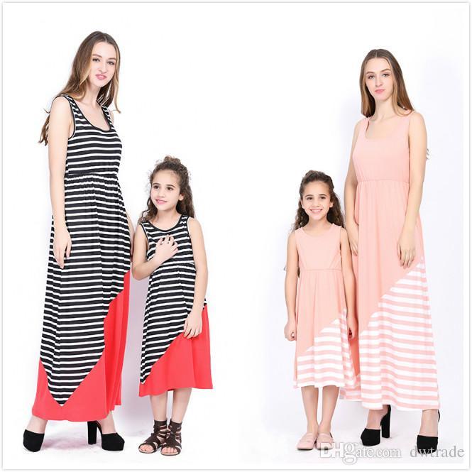 1dc8d2e4f5 Compre Nuevo Vestido De Rayas Blancas Con Rayas Rosadas Vestido Largo Sin  Mangas Dobladillos Rojas Con Forma De Ondas Madre E Hija Vestidos A Juego  Mommy ...
