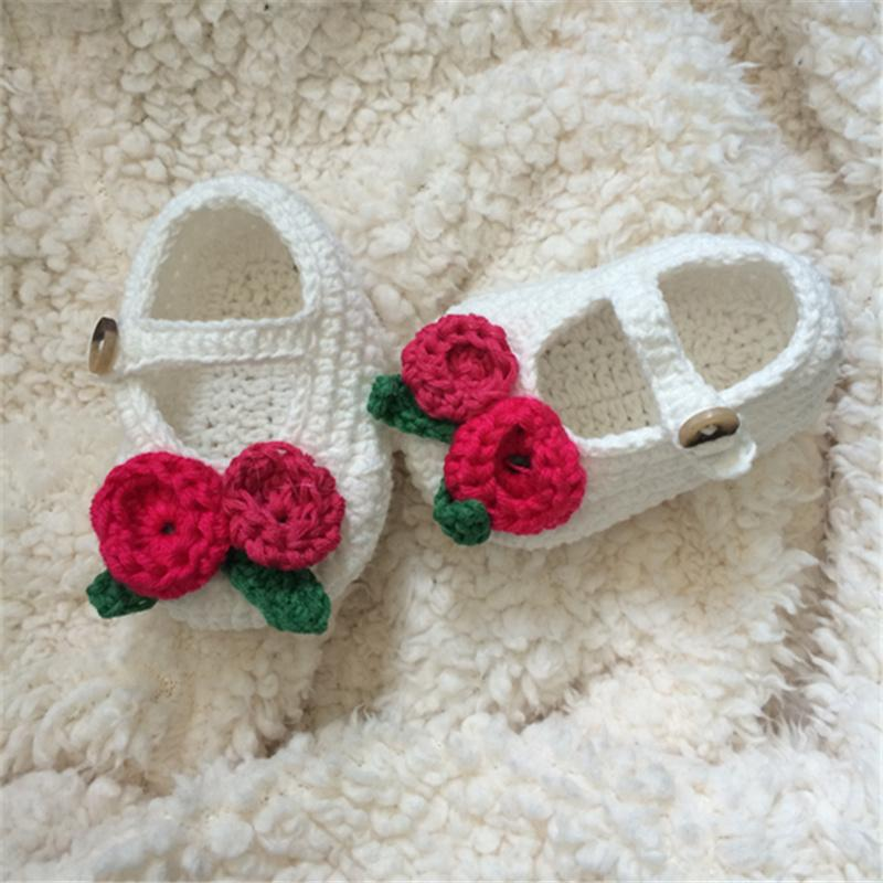 Großhandel Häkeln Baby Sandalen Beige Tan Weiß Braun Mit Blume