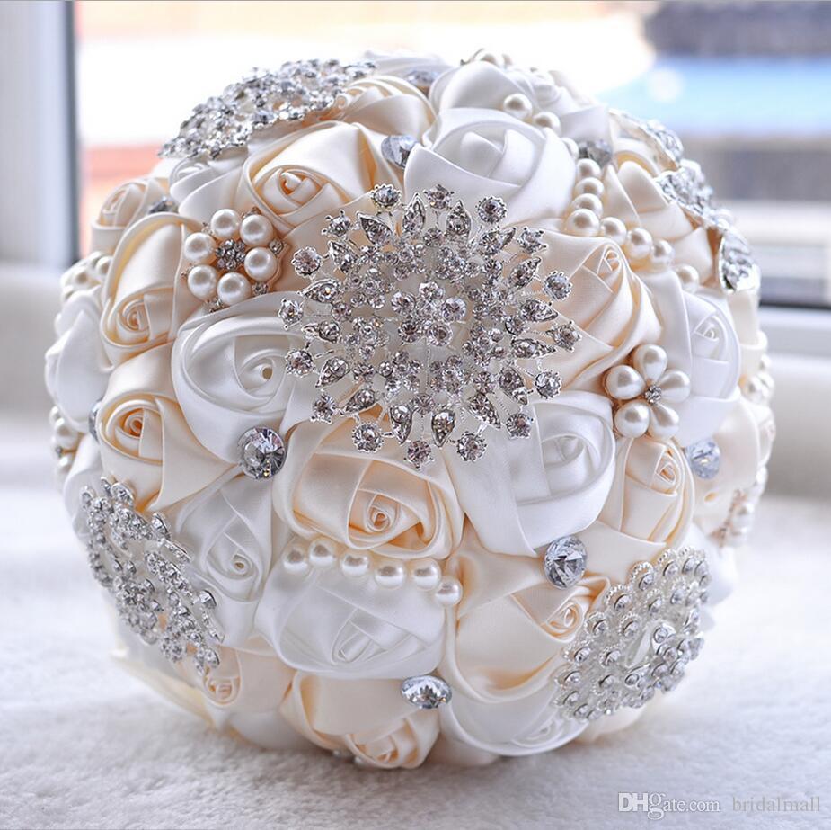 Yeni Düğün Gelin Buketleri El Yapımı Çiçekler Ile Peals Kristal Rhinestone Gül Düğün Malzemeleri Gelin Broş Buketi Holding
