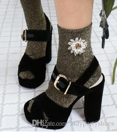 2018 Criss Cross Colorblocked Mulheres Plataforma De Veludo Sandálias Vermelho / Preto / Verde Cor Misturada Tira No Tornozelo Partido Sandálias Sapatos Mulher