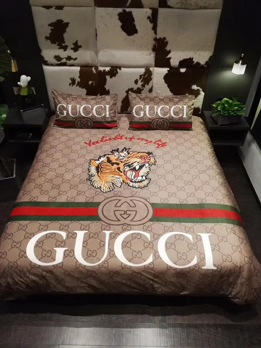 Tiger Full G Stripe Bedding Cover Suit Luxury Design Fashion Logo Bed Cover Sets Winter Fleece Material Duvet Cover