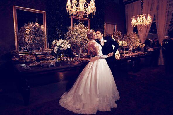 Elegant White Two Piece Wedding Dress 2018 Louisvuigon jacket Long Sleeve Lace Bridal Gown Sweep Train Zipper Bride Dresses