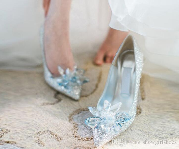 Scarpe da sposa nuziali di vetro argento Classici sandali con tacchi in cristallo bling Scarpe da donna con le punte delle dita Zapatos Mujer