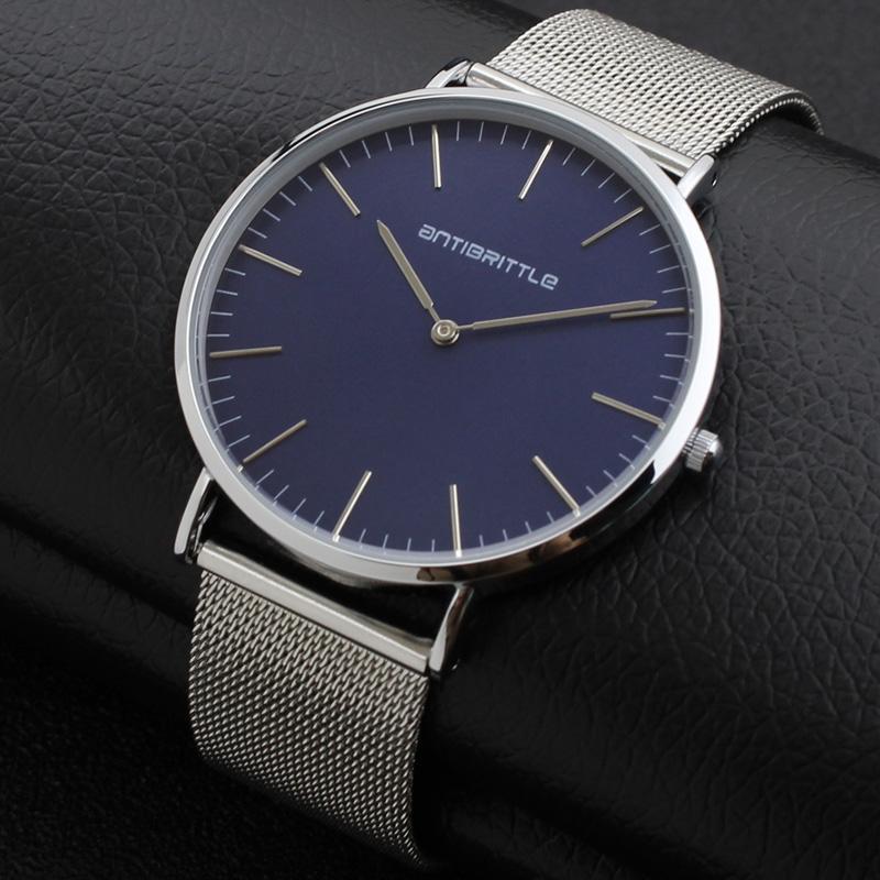 aa3d2fd3429c Compre Cuarzo De Japón Mujeres Azul Oscuro Minimalista Reloj Hombres  Negocio De Plata Fina De Cuero Malla Imán De Acero Inoxidable Correa  Antibrittle ...