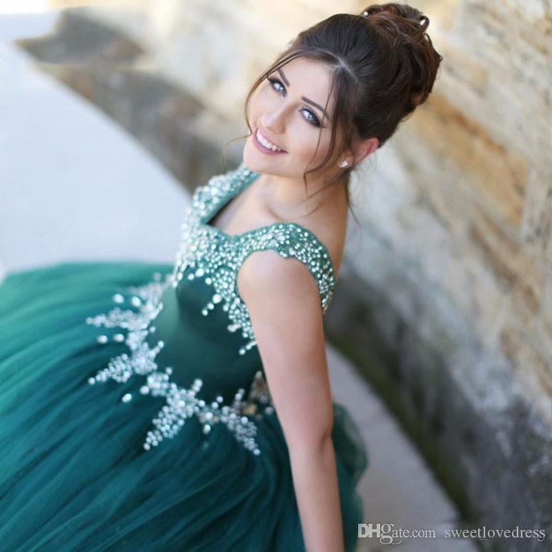 2018 robes de quinceanera robe de bal modeste avec des perles de dentelle Corset Retour Sexy Retour lacets formelle reconstitution historique robe de bal Cristaux perlés