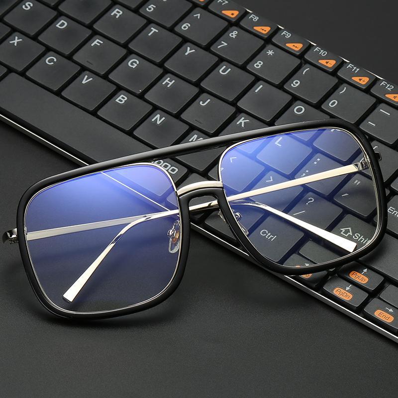 6412ba4ed1582 Compre VCKA Anti Azul Luz Óculos De Armação Das Mulheres Oversized Frame Do  Metal Óculos De Proteção Radia Resistente Quadrado Computador Men Gaming  Eyewear ...