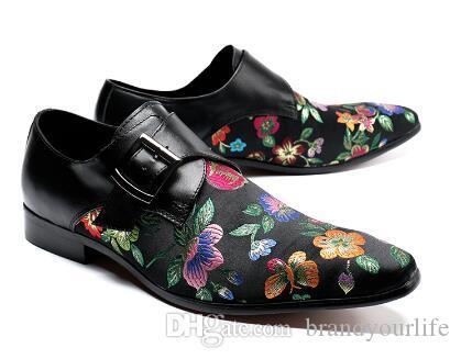 2018 Erkekler Nakış Çiçek Ayakkabı Vintage Stil Toka Loafer'lar Düğün Oxfords Terlik Erkekler Elbise Ayakkabı Kırmızı ve Siyah
