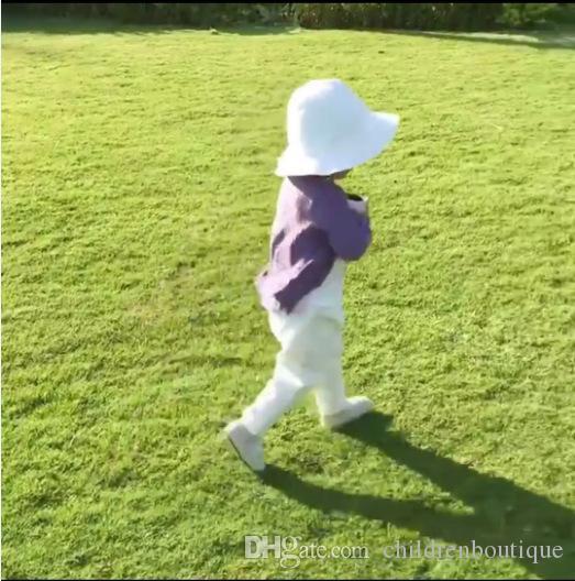 Baby Coats 2018 Neonato Maglione sottile Giacca a maglia Manica lunga Una fila di bottoni Fungo nero Bordo Cardigan Cappotto caldo di cotone Abiti