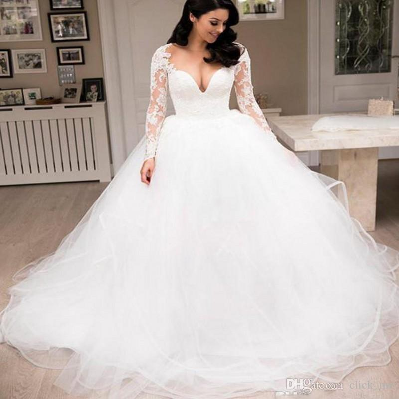 2018 Gorgeous Beach Wedding Dresses Deep V Neck Lace And Tulle Tiered Skirts Ball Gown Wedding Dress Custom Made Cheap Bridal Gowns