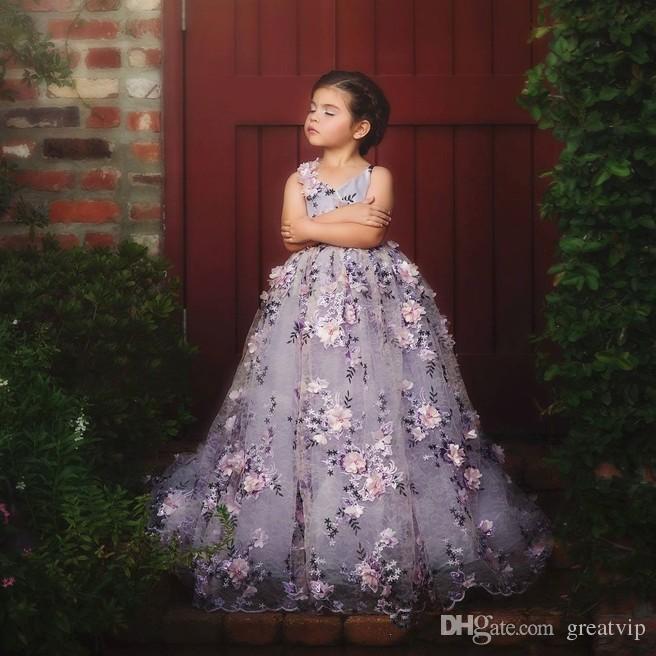 Lavendel-Spitze Kleine Mädchen Pageant Kleider 3D Blumen Appliques Kleinkind Ballkleid Blumenmädchen Kleid Bodenlangen Tüll Erste Kommunion Kleider