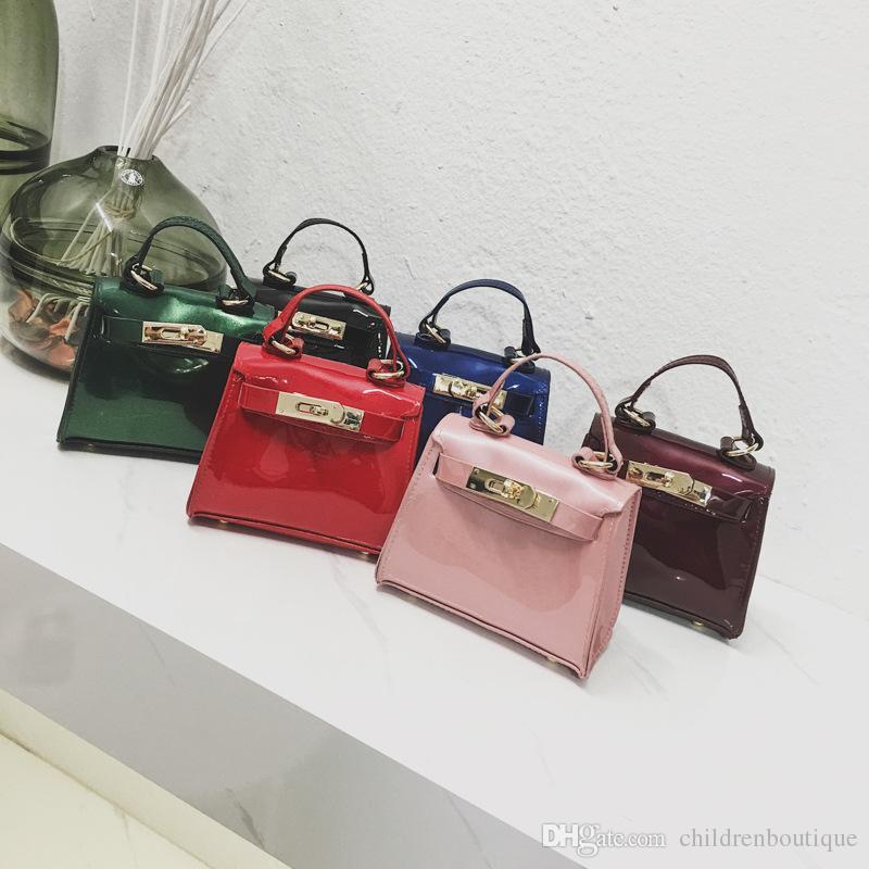 2018 Baby Bags New Fashion Kids Jelly Messenger Bag Stylish Baby Girl  Shoulder Handbag Toddler Purse Girls Mini Candy Color Bag Jewellery For  Girls Hand ... d7b7456882