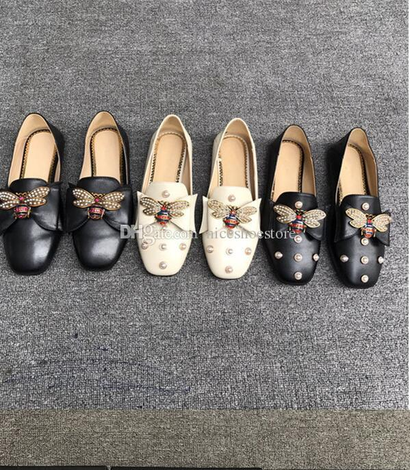 Designer Women Ballerines en cuir Chaussures avec bow Perles Mocassins Abeille Femmes Filles Printemps Eté Sandales Floquées Mocassin 34-40 Avec Boîte