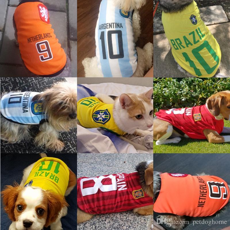 Compre Chaleco De Perro De Deportes Camisa De Gato Ropa De Mascotas Sudadera  De Algodón De Verano Jersey De Fútbol Ropa De Perro Para Perros Pequeños ... e9651d057e5a7
