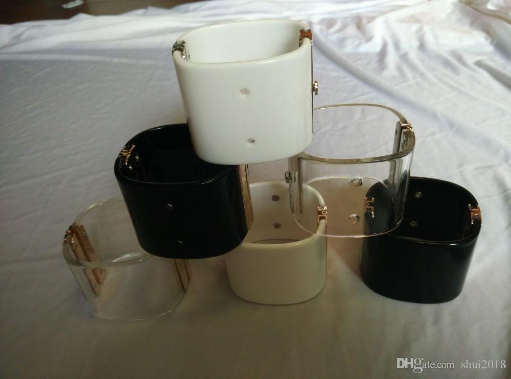 El diseñador de moda pulseras de los brazaletes pulsera clásico de la vendimia ancha de alta calidad de acrílico negro claro joyería brazalete blanco para las mujeres