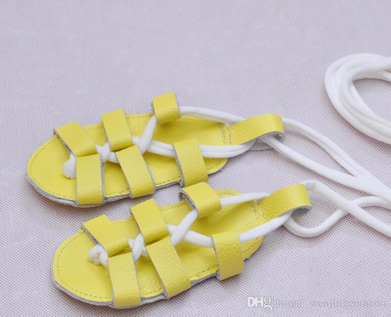 Baby-Sandelholze Babyschuhe flach mit Sommer-echten Lederbabysandalenschuhen Weiche Unterseite lace-up Mädchen-Sandelholze