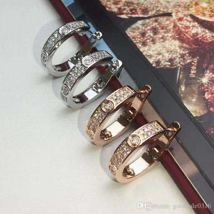 Nueva moda joyería famosa marca Stud Titanio hilo de acero Pendientes 18 K chapado en oro de acero inoxidable Pendientes de gemas de amor clásicas para mujeres c