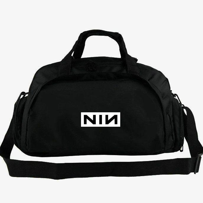 d58020faf Compre Bolsa De Lona Nine Inch Nails Bolsa De Trent Reznor Bolsa De Rock De  La Banda De Rock De 2 Vias Para Usar Equipaje Bolsa De Hombro Deportiva  Bolso ...