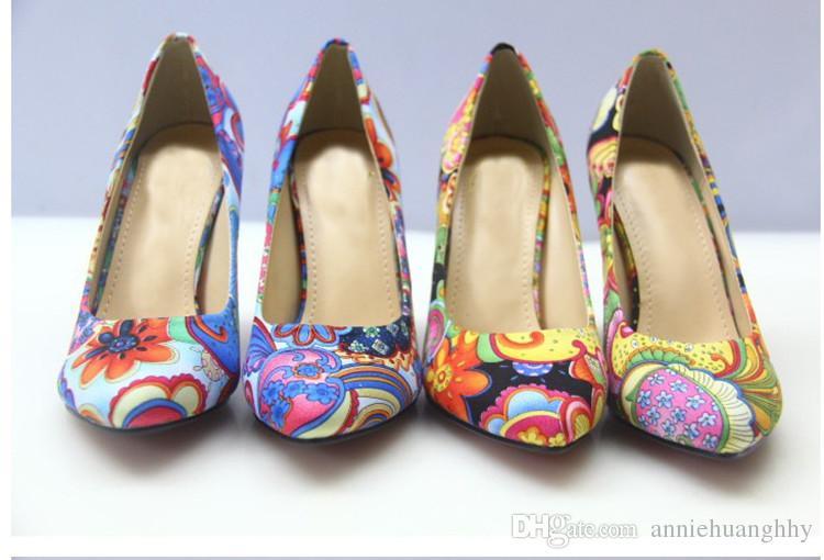 Primavera Estate Shallow Mouth Comode scarpe da donna scarpe a punta stile etnico Tacchi alti scarpe femminili Stampa tessuto